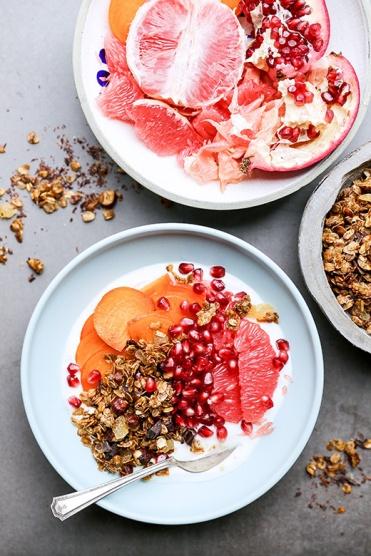 Winter-Fruit-Yogurt-Bowl-Granola-Pin